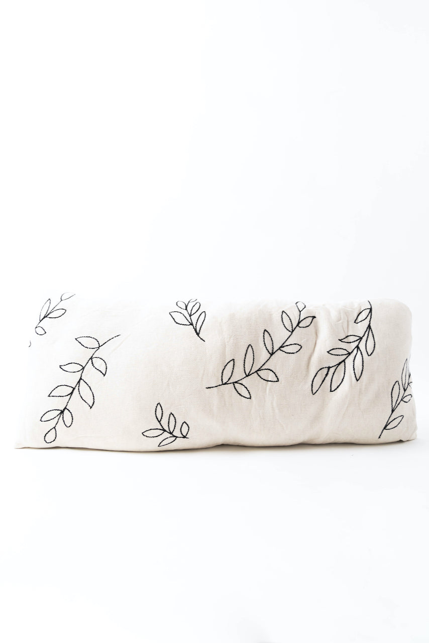 White and leaf pillow | ROOLEE