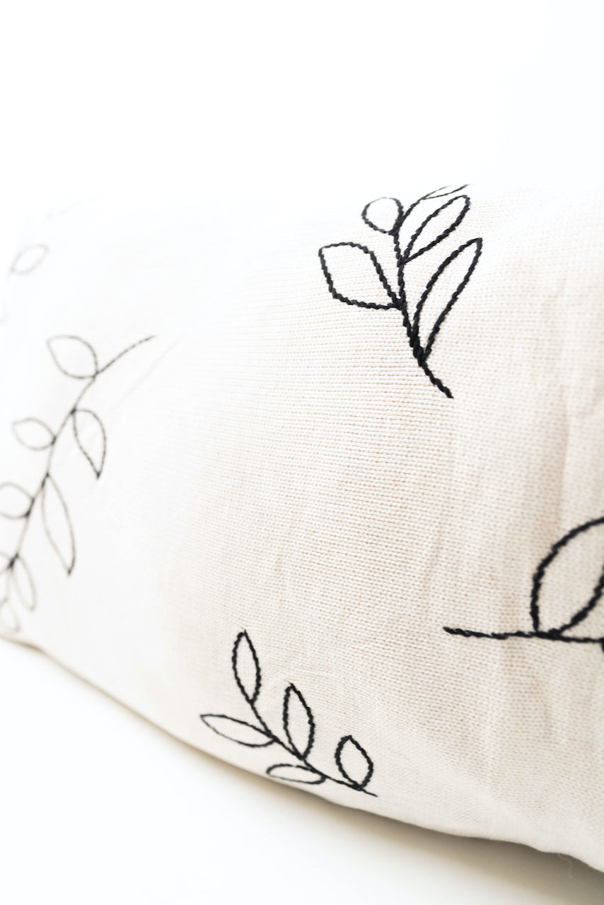 Leaf print white pillow | ROOLEE