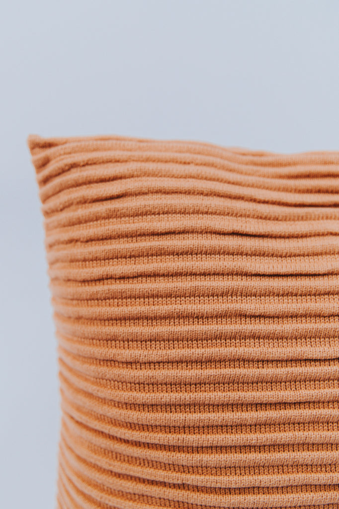 Ribbed Pillow Ideas | ROOLEE