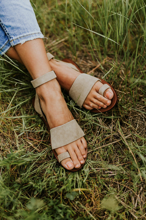 Free People Torrence Flat Sandal in Taupe | ROOLEE