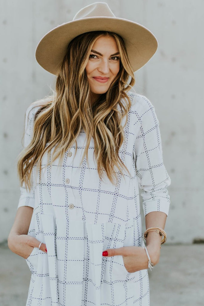 safe-haven-plaid-mom-dress-in-cottontail