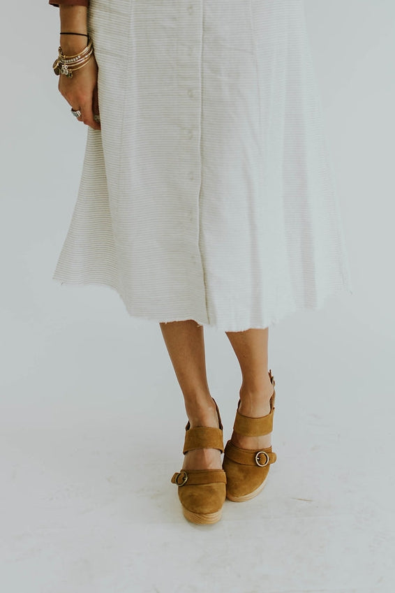 free-people-park-circle-clog-in-taupe