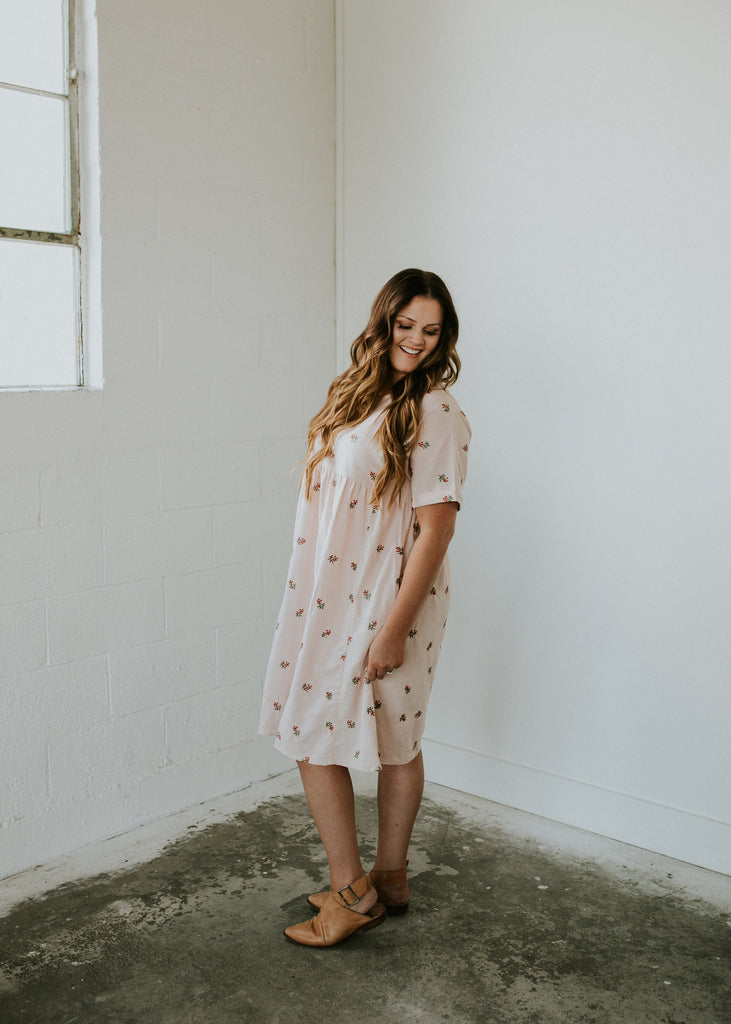 loren-embroidered-linen-dress