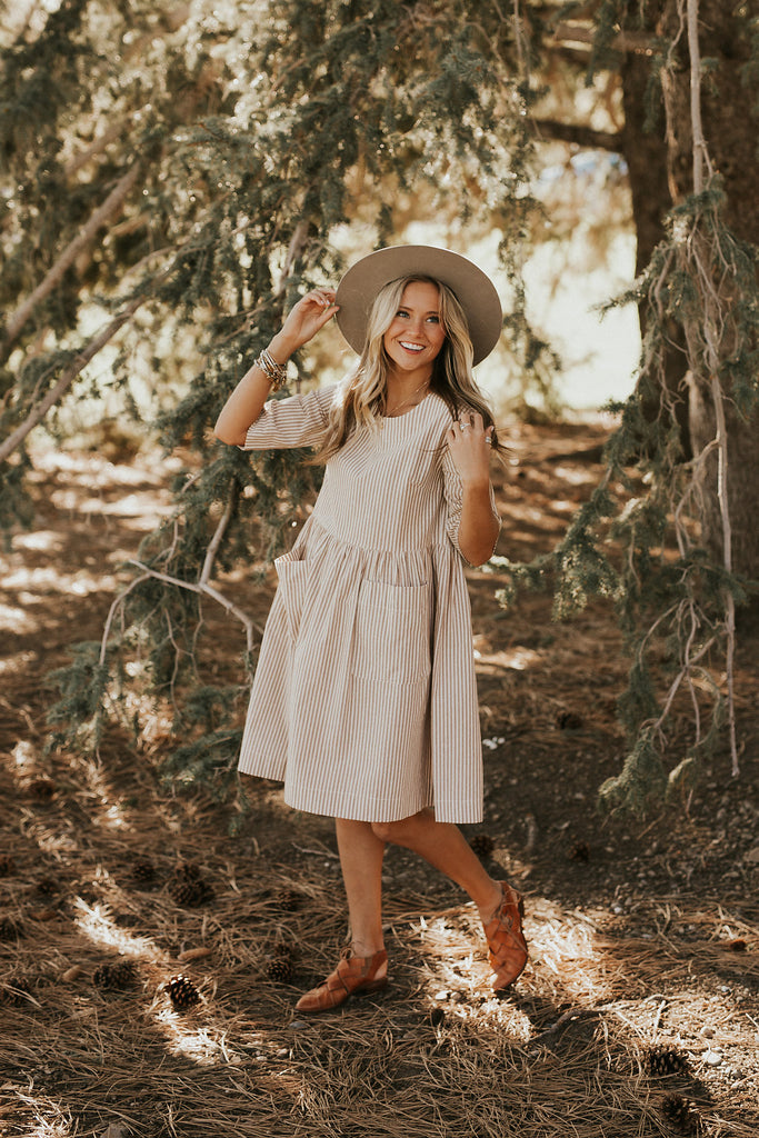 Hollis Pocket Dress in Taupe | ROOLEE