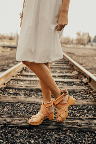 free-people-emmy-wrap-clog-in-natural