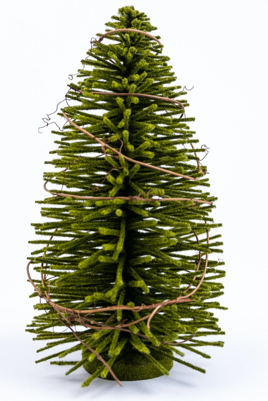 Bottle Brush Christmas Tree | ROOLEE