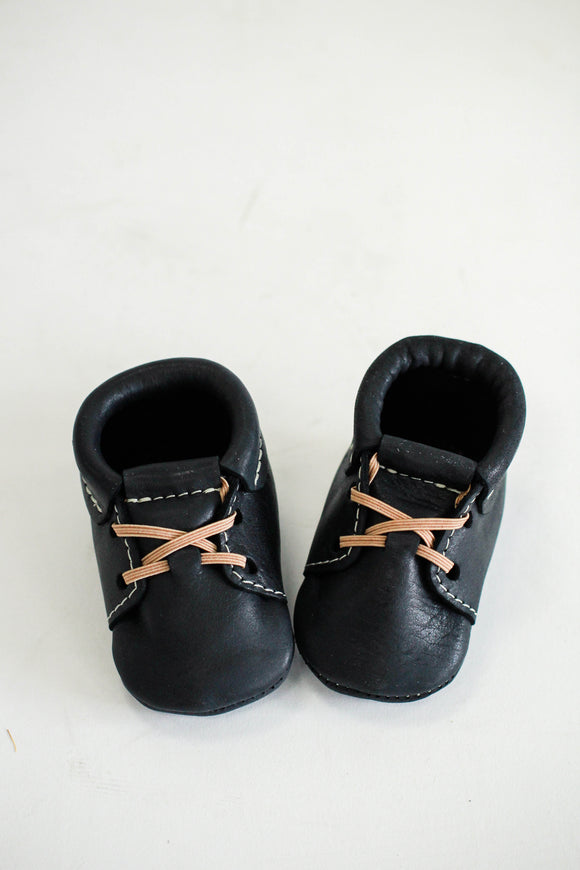 Freshly Picked Onyx Oxford Moccasin | ROOLEE Kids