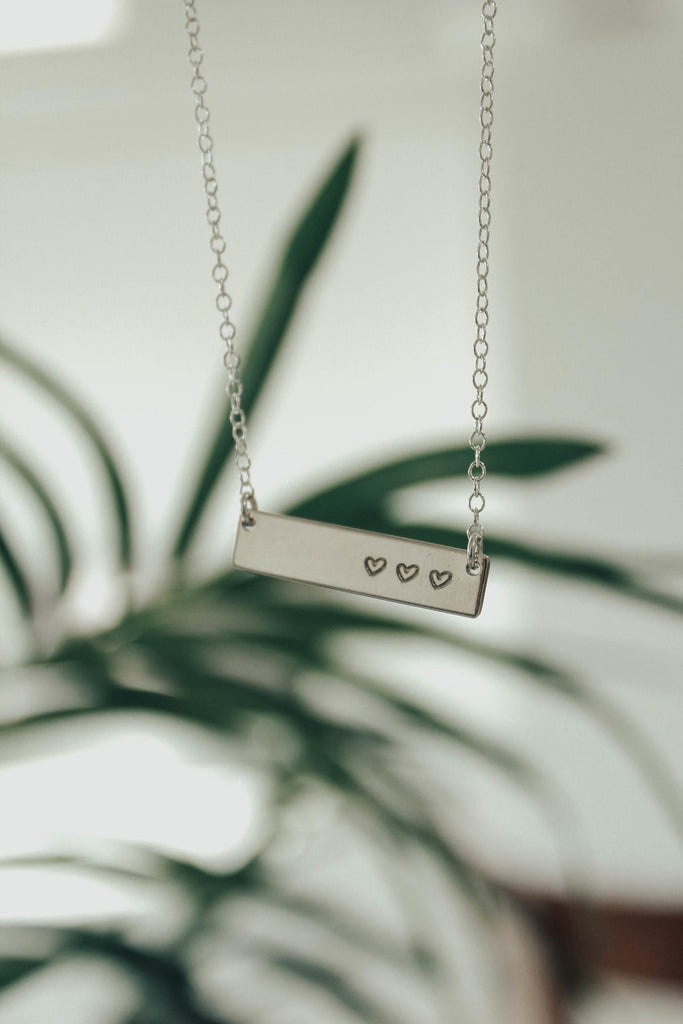 Silver Mini Heart Bar Necklace | ROOLEE