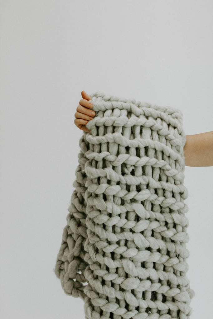 Grey Chunky Knit Throw | ROOLEE