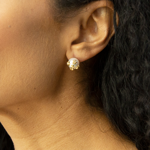 18k Yellow Gold Earrings with Freshwater Pearl  and Diamond