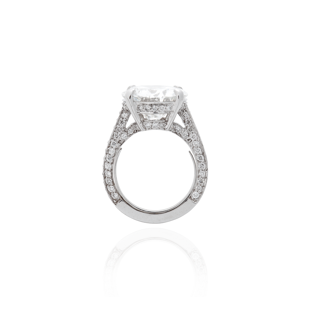 18K White Gold Ring with Round Faceted White Diamond