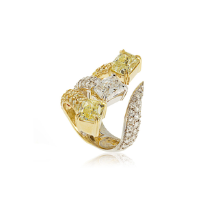 18k Yellow and White Gold Ring with Yellow and White Diamonds