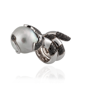 Load image into Gallery viewer, 18K White Gold Ring with South Sea Pearls