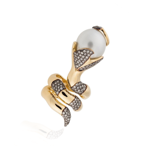 Load image into Gallery viewer, 18k Yellow Gold Ring with South Sea Pearl and Diamonds