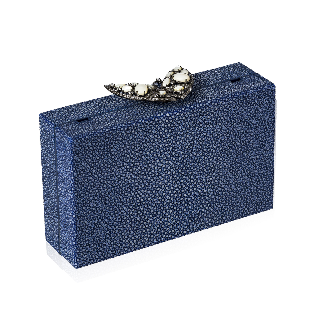 Load image into Gallery viewer, Blue Stingray Butterfly Purse