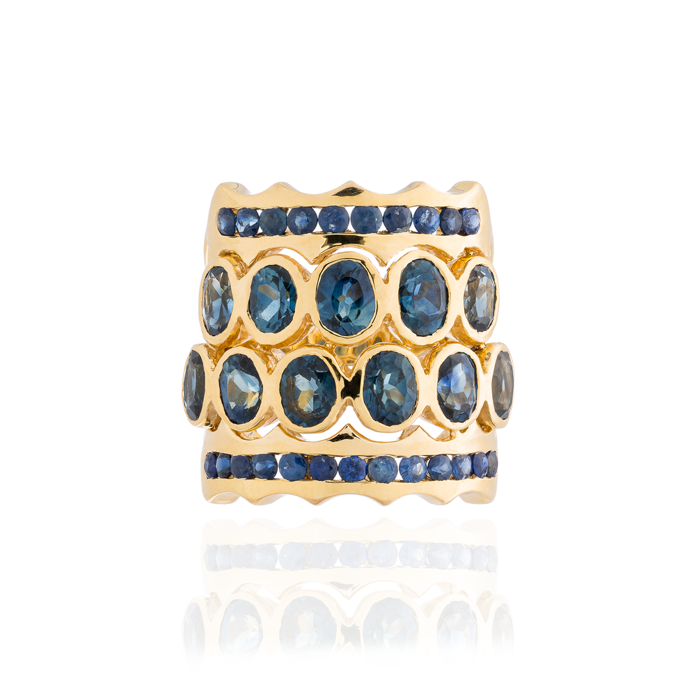 18K Yellow Gold Ring with Blue Sapphires