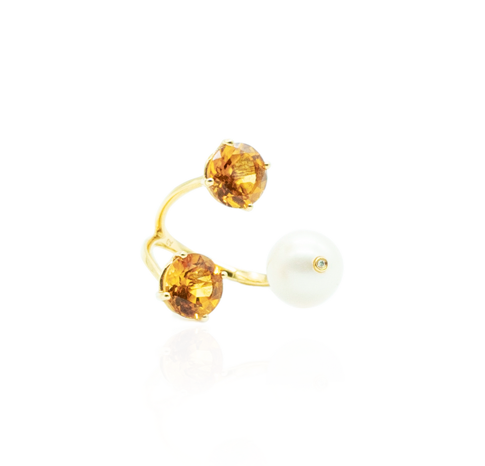 18K Yellow Gold Ring with Freshwater Pearls