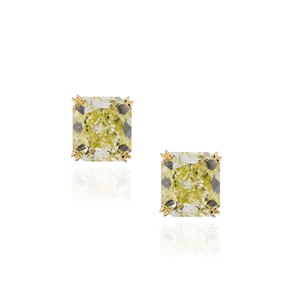 18K Yellow Gold Green Diamond Studs