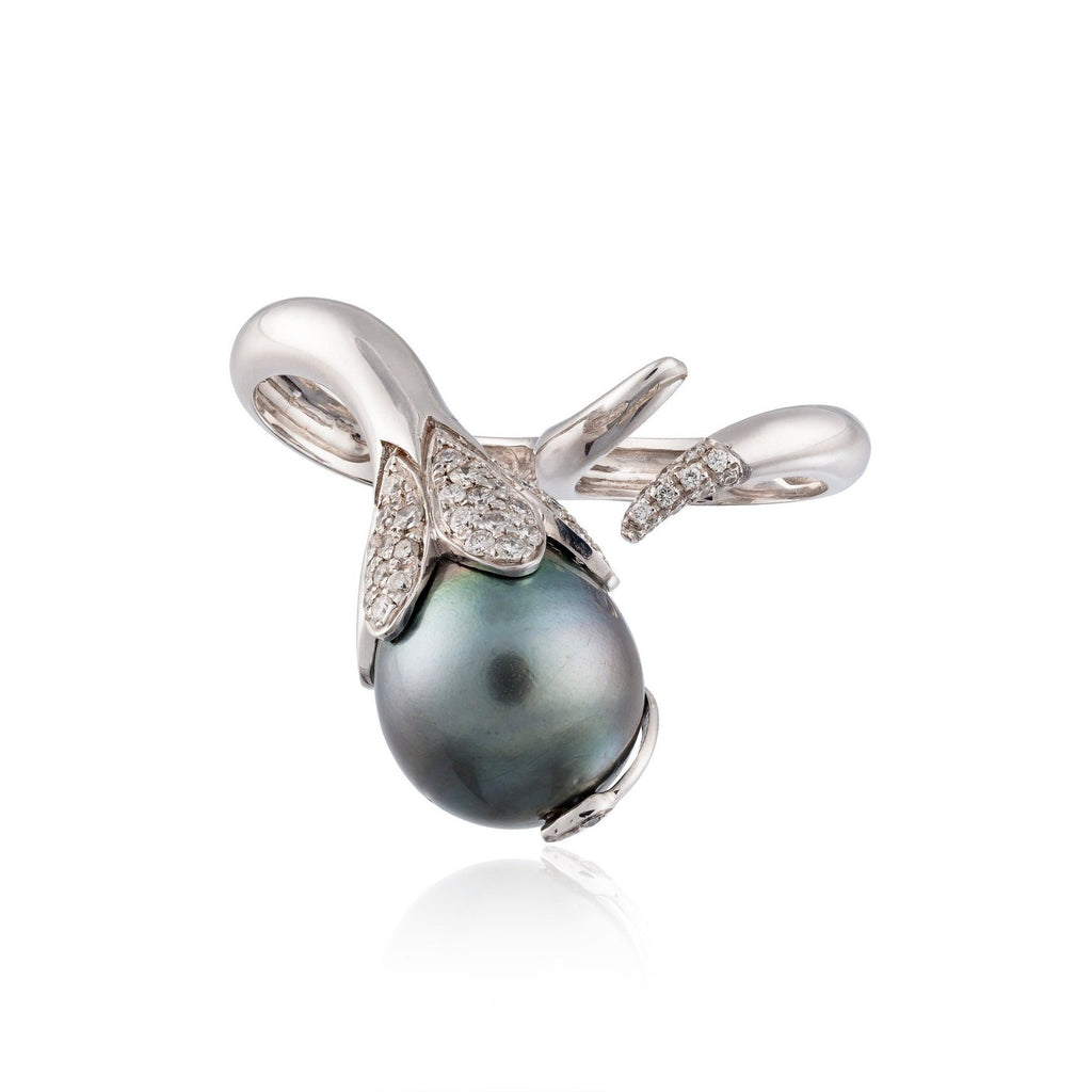 18k White Gold Ring with South Sea Pearl and Diamonds