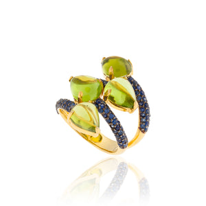 925 Silver Ring with Peridot Cabochon & Blue Sapphires