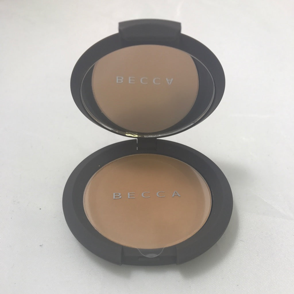 Becca Multi Tasking Perfecting Powder Tan