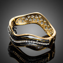 Load image into Gallery viewer, Artistic Black Wave Bangle -KBQ0081 - KHAISTA Fashion Jewelry