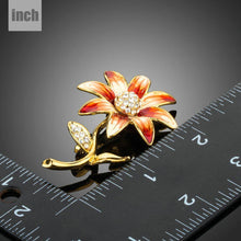 Load image into Gallery viewer, Artistic Daisy Flower Brooch Pin - KHAISTA Fashion Jewellery