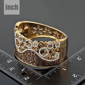 Golden Leopard Crystals Cuff Bangle -KBQ0010 - KHAISTA Fashion Jewelry