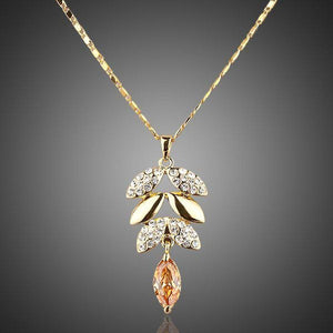 Khwabeeda Crystal Design Pendant Necklace - KHAISTA Fashion Jewellery