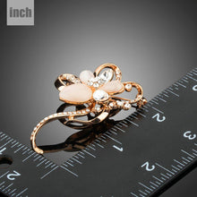Load image into Gallery viewer, Stone with Clear Austrian Crystal Flower Shape Brooch - KHAISTA Fashion Jewellery
