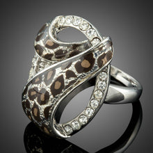 Load image into Gallery viewer, White Golden Number 7 Pattern Design Leopard Ring - KHAISTA Fashion Jewellery
