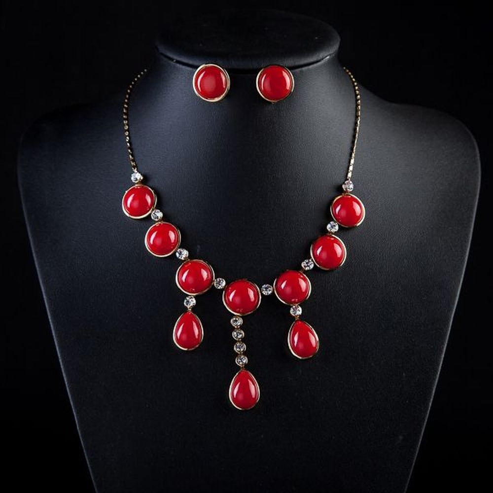 RED JEWELLERY SETS