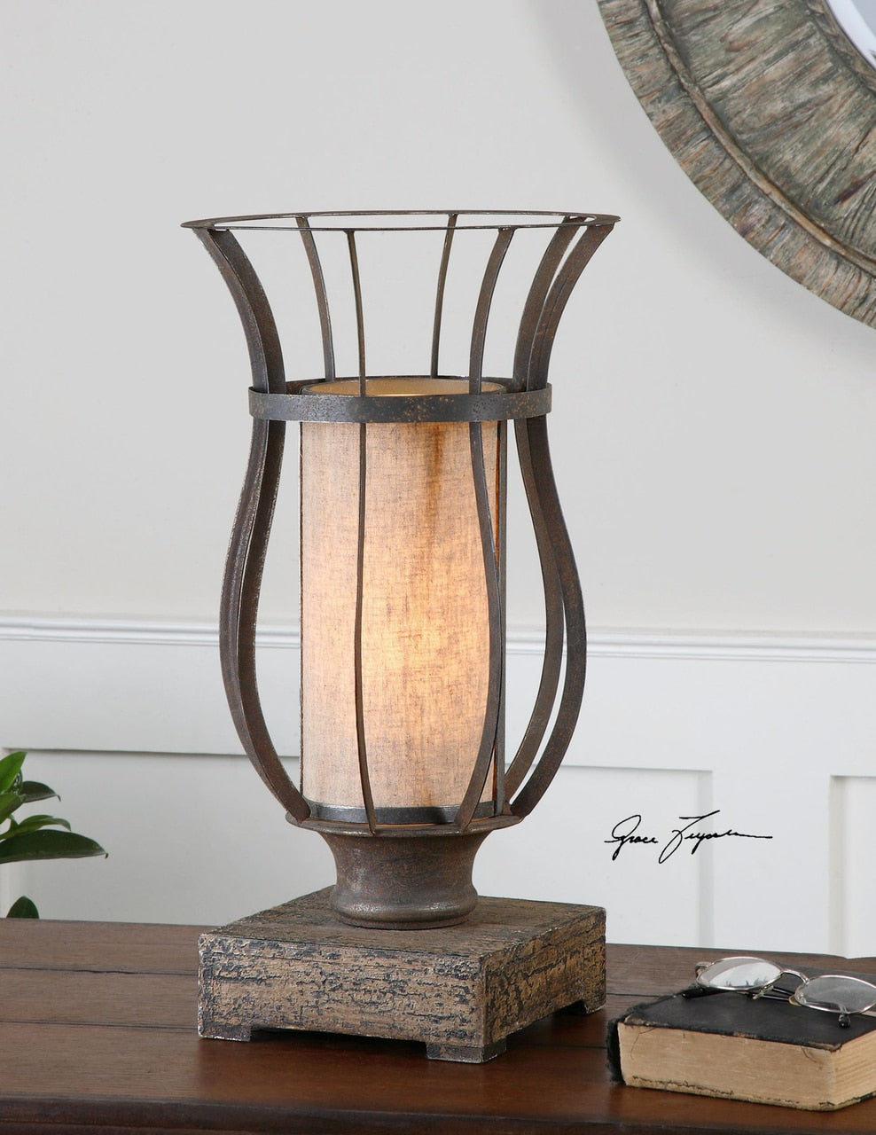 Minozzo Accent Lamp - dolly mama boutique