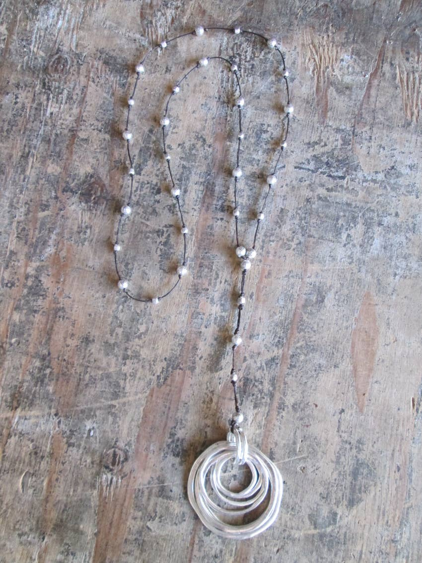 Lady of the Rings Alloy Necklace - dolly mama boutique