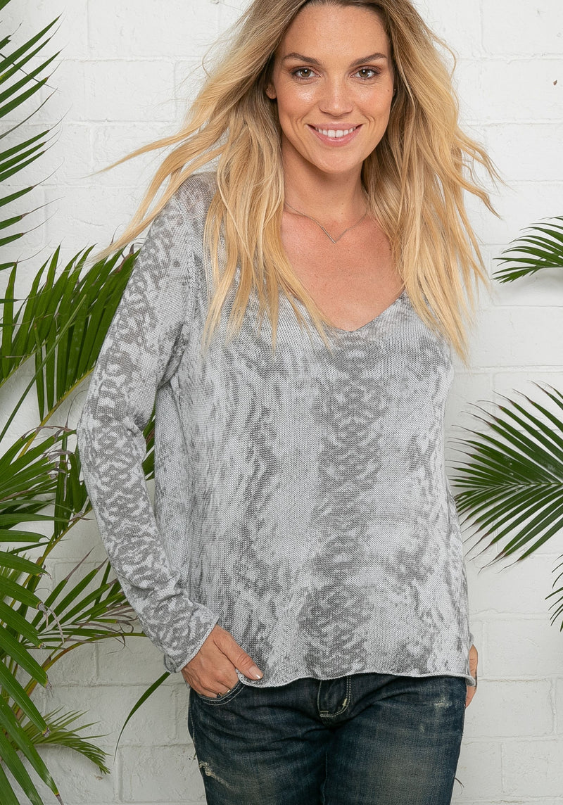 Snakeskin V-Neck - dolly mama boutique