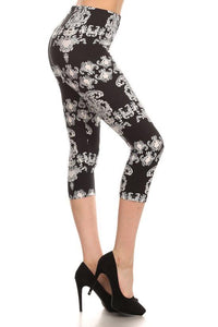 Black & White Damask Capri