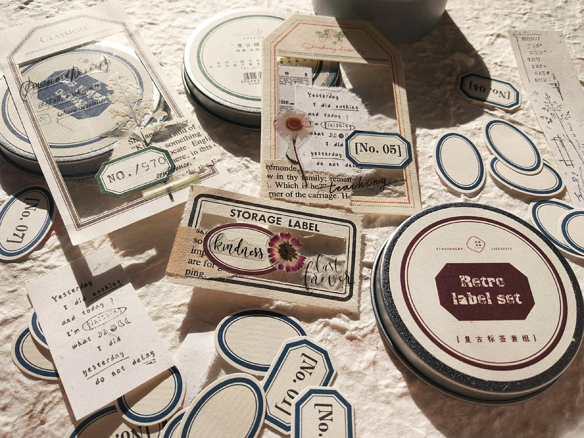 120PCS Mini Vintage Labels Sticker Tin