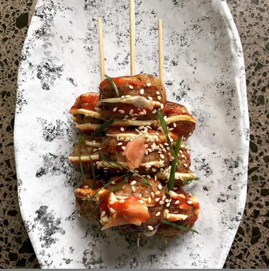 Japanese style pork ball skewers with kewpie mayonnaise (2 meatballs per skewer)