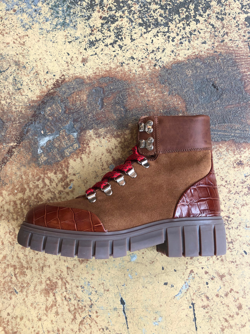 Rebel Hiker Boot