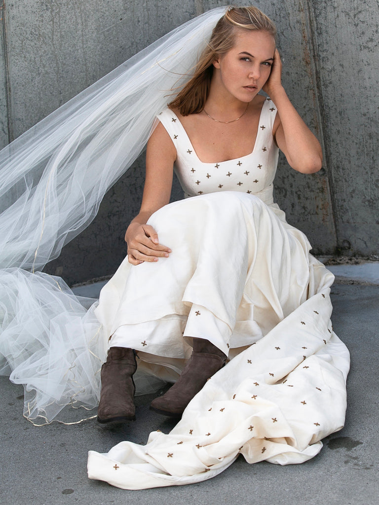 WEDDING DRESS  RETRO