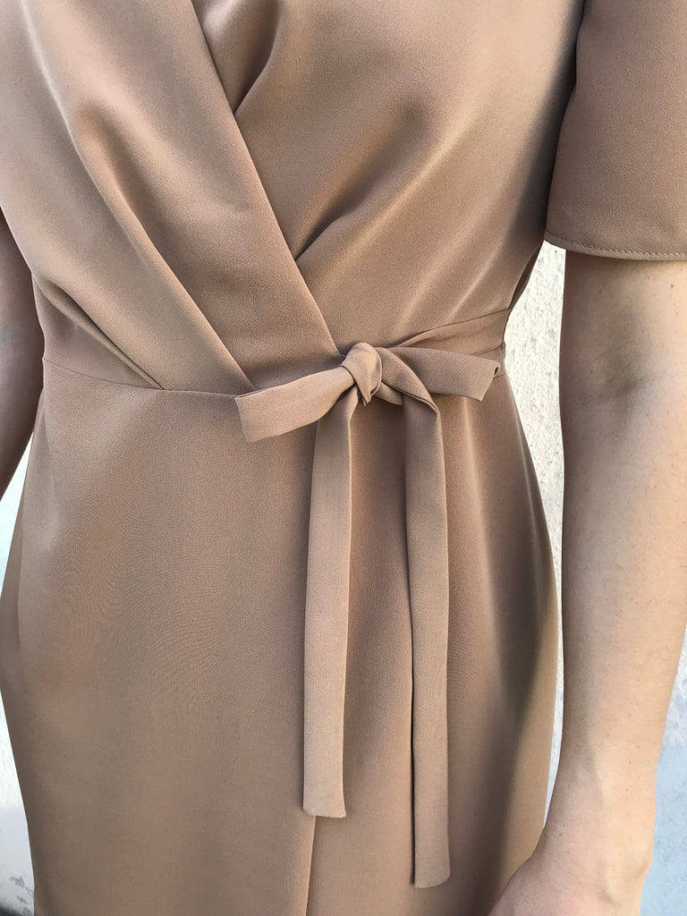 WRAP DRESS CAMEL