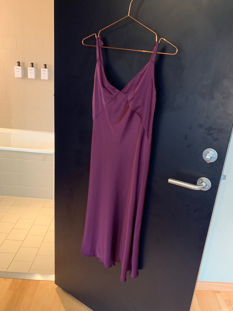 DRESS SLIP IN