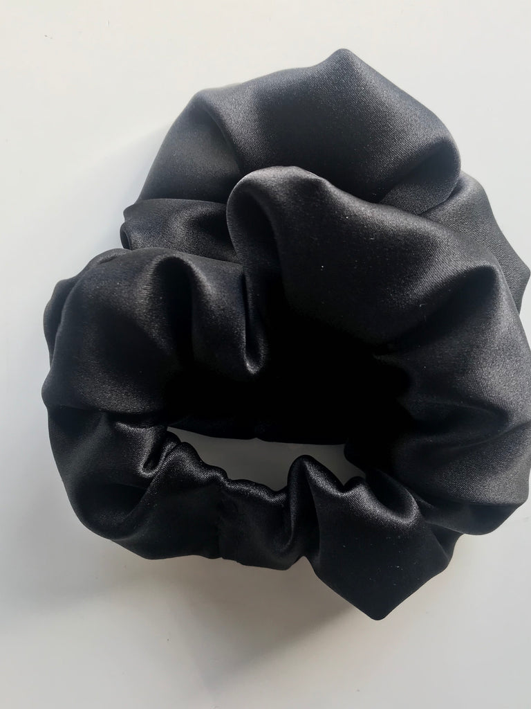 BLACK SILK SCRUNCHIE