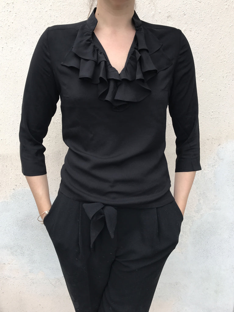 TOP FRILLS BLACK