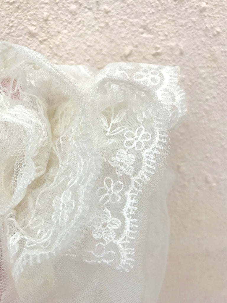 SILK VEIL WITH LACE EDGE