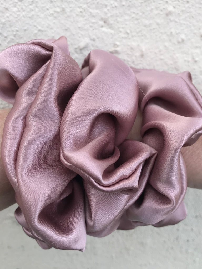 SCRUNCHIE SILK ROSE