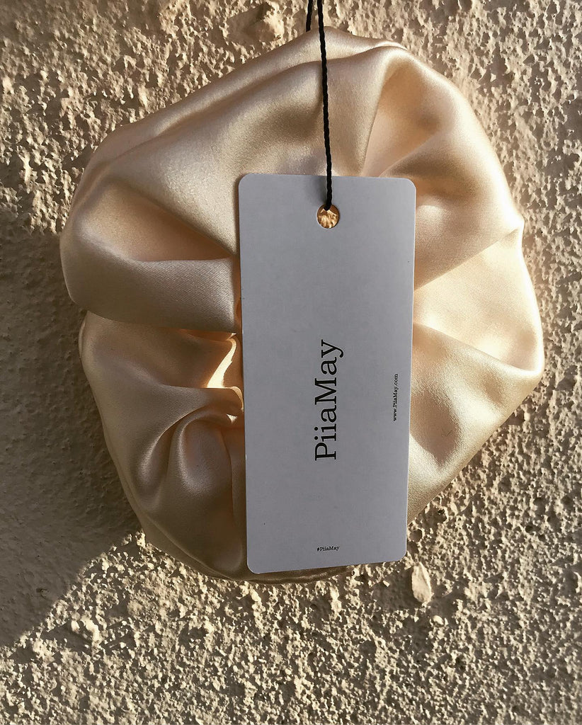 SCRUNCHIE BLUSH SILK