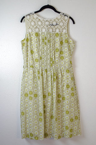 Foley's Sleeveless Lace and Pleat Front Dress - Size 7/8
