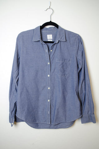 Gap Classic  Button Down - Size S