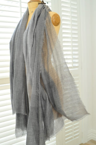 Luxury Cashmer Co Grey scarf